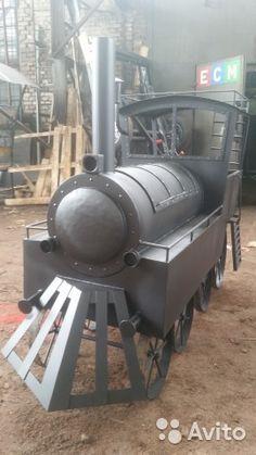 "Мангал + барбекю ""Паровоз"" Custom Bbq Smokers, Custom Bbq Pits, Wood Burning Heaters, Sheet Metal Tools, Train Crafts, Trains For Sale, Farm Projects, Metal Working Tools, Wooden Train"