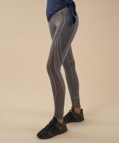 The Sleek Sculpture Leggings are back and better than ever before. Ready to give you the coolest, most comfortable workout. -High waisted-Hidden pocket-Sweat wicking Polyester Elastane Model is and wears size S Charcoal, Leggings, Sculpture, Model, How To Wear, Pants, Exercise, Collection, Fashion