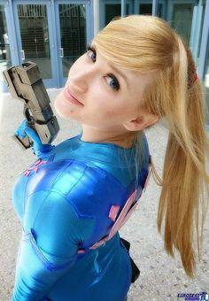 Lara Yih: Increible diseño cosplay de Zero Suit Samus, con su arma paralyzer
