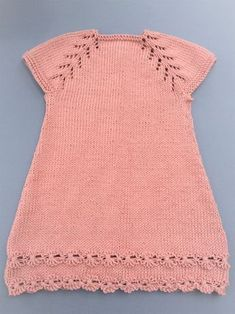 Ravelry: Vestido con flores pattern by maria del puerto fernandez Knitting For Kids, Knitting Projects, Baby Knitting, Knitting Patterns, Ravelry, Cute Babies, Knit Crochet, Sewing, Tops