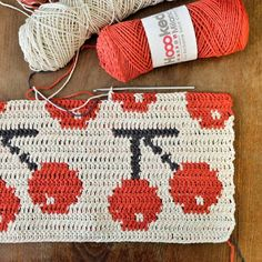 Tuesday pattern, happy cherries!! We are making a crochet pattern calendar for 2018 with a Finnish paperhouse Putinki, one new pattern each month. Maybe cherries for June?! There is a tiny mistake in my pattern, can you spot it? ^^ #makingofvirkkuribooks #mollamillscrochetterie #virkkuri #crochet #patterns #mollamillsforputinki #cherries #hoooked