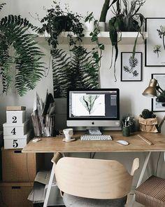 Home-Office: 3 Styling-Ideen für den Arbeitsplatz – Room Desgn Decor Grey Interior Doors, Office Interior Design, Office Interiors, Home Interior, Home Office Space, Office Workspace, Home Office Decor, Small Room Design, Bureau Design