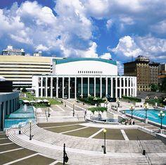 Montreal Planetarium (Planetarium de Montréal): Experience the stars on this 20-foot doomed screen.