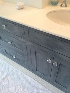 Annie Sloan: Graphite, Napoleonic Blue and a little Paris Grey to make this beautiful slate blue. #anniesloan