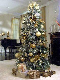 Lindos árboles de navidad dorados