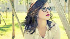 girl hipster glasses Wallpaper HD Wallpaper