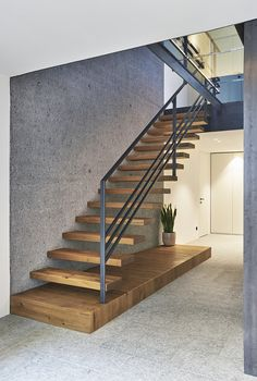 Stairs Handle, Contemporary Stairs, Staircase Design, House Floor Plans, Stairways, Architecture Details, Tiny House, Living Room Decor, Villa