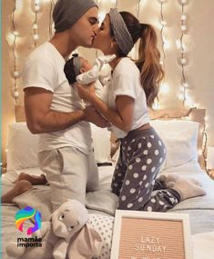 family pictures so cute newborn family pictures so cute!newborn family pictures so cute! Newborn Family Pictures, Cute Baby Pictures, Maternity Pictures, Newborn Photos, Pregnancy Photos, Pregnancy Belly, Pregnancy Cravings, Pregnancy Humor, Prom Pictures