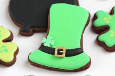 green leprechaun top hat