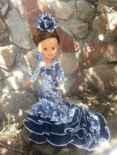 Flamenca Doll Clothes Patterns, Clothing Patterns, Nancy Doll, Barbie, Reborn Dolls, Beautiful Dolls, American Girl, Cool Style, Flower Girl Dresses