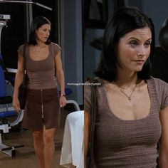 """- """"The One with a Chick and a Duck"""" Courtney Cox, Friends Tv, Cute Friends, Monica And Rachel, Fashion Tv, Fashion Outfits, Fashion Clothes, Tv Show Outfits, Movie Outfits"""