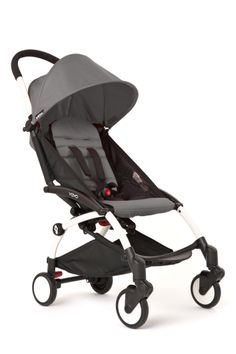 This Babyzen Yoyo stroller is suitable from birth up to The YOYO is the most incredible stroller ever imagined. Worldwide famous for its record-breaking compactness, its magic folding and sleek design, the YOYO stroller can now be used from birth. Double Strollers, Baby Strollers, Toddler Stroller, Fisher Price, Poussette Yoyo Babyzen, Prams And Pushchairs, Travel Stroller, Jogging Stroller, Baby Equipment