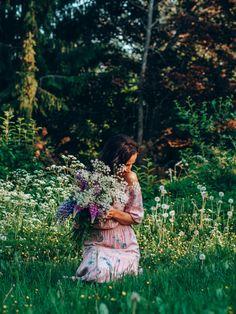 Someton Juhannus   Rentouttavaa ja rauhallsita juhannusta! Summer Solstice, Cottage Style, My Childhood, Breathe, Couple Photos, Finland, Wedding, Instagram, Simple