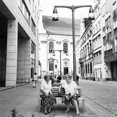 """""""Prospettive simmetriche"""" - Breslavia, 2015. 1° riscatto urbano di Pallina Precisina. Saranno conteggiati i """"Mi piace"""" al seguente post: https://www.facebook.com/photo.php?fbid=1636963979853612&set=o.170517139668080&type=3&theater"""