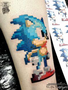 By Felipe Rodrigues Pixel Tattoo, E Tattoo, Color Tattoo, Hand Tattoos, Tribal Tattoos, Tatoos, Wicked Tattoos, Gaming Tattoo, Video Game Characters
