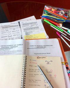 Study Desk, Study Space, School Motivation, Study Motivation, School Notes, School Tips, Study Organization, Organizing, Study Inspiration