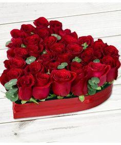 Aranjament in forma de inima cu 29 trandafiri rosii si frunze de eucalipt Valentines Flowers, Valentine Gifts, Valentines Day, Love You Images, Rose Wallpaper, Blue Roses, Flower Boxes, Beautiful Roses, Flower Arrangements