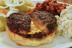 This bacon cheeseburger recipe has the bacon and cheese stuffed inside the patty. This little surprise makes a great-tasting burger for your cookout. Bacon Cheese Burger Recipe, Best Burger Recipe, Cheeseburger Recipe, Bacon Bacon, Baked Hamburgers, Cheeseburgers, Grilling Recipes, Beef Recipes, Cooking Recipes