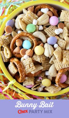 Want a fun treat to share with family and friends? Try this delicious Bunny Bait recipe! Made with Rice Chex, Vanilla Chex, and pastel candy-coated chocolates, this recipe is a spring treat everyone will love! Bunny Bait, Lucky Charms Cereal, Easter Recipes, Easter Snacks, Easter Treats, Holiday Recipes, Dessert Recipes, Snack Recipes, Rice Chex