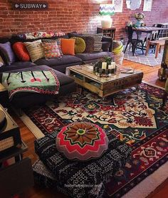 Unusual Article Uncovers the Deceptive Practices of Modern Design Bohemian Living Room - casitaandmanor Bohemian House, Bohemian Living, Boho Living Room, Bohemian Interior, Bohemian Decor, Bohemian Style, Gypsy Style, Hippie Chic, Living Spaces