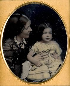 VINTAGE PHOTOGRAPHY: Young girl and mother