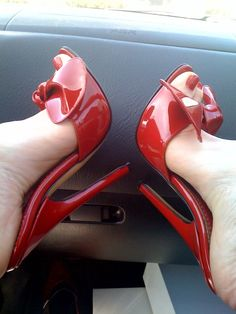 I love long, shapely legs and high heels, especially t-strap and slingbacks, but really I love them all as long as the heels are stilettos and 5 inches tall Sexy Legs And Heels, Hot High Heels, Platform High Heels, Nylons Heels, Stiletto Heels, High Heels Plateau, Talons Sexy, Beautiful High Heels, Killer Heels