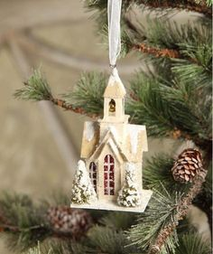 Vintage Christmas, Country Christmas figurines, Old Fashioned Christmas ornaments and retro Christmas party decorations. Find Christmas decorating ideas here! Woodland Christmas, Christmas Deer, Country Christmas, White Christmas, Christmas Home, Vintage Christmas, Christmas Glitter, Lowes Christmas Decorations, Holiday Decor