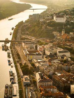 UNIKÁTNE FOTO! Takto ste Bratislavu asi ešte nevideli (1968, 1970, 2009) - Bratislava, My Love Bratislava, Paris Skyline, Travel, Pictures, Viajes, Destinations, Traveling, Trips