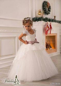 Ivory Lace Beaded 2016 Ball Gown Flower Girl Dresses Vintage Kids Little  Girl Wedding Dresses Cheap Pageant Dresses 42c99549b88b