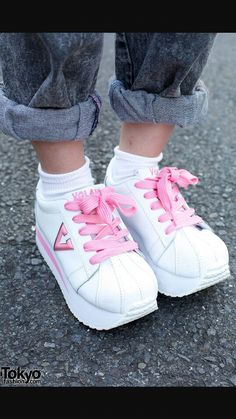 34d5bebb250 Im dying to have theseee 90s Platform Shoes