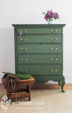 Ideas Woodworking Projects Furniture Antiques Miss Mustard Seeds For 2019 Milk Paint Furniture, Green Painted Furniture, Painted Bedroom Furniture, Colorful Furniture, Repurposed Furniture, Cheap Furniture, Furniture Projects, Furniture Makeover, Furniture Decor