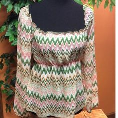 STRADIVARIUS AZTEC PRINT BLOUSE Pretty colors along with the Aztec print make a winning combination.. Baby doll style and this large fits more like a Junior Medium Stradivarius Tops Blouses