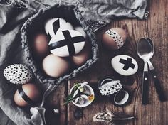 Easter eggs decorated with washi tape, via http://www.scandinavianlovesong.com/