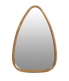 Miroir cadre triangulaire Signature pour Déco Française. Métal vieilli. Dim. : hauteur : 45 cm ; largeur : 30 cm ; profondeur : 4 cm. #miroir #doré #gold #mirrors #déco #décoration #française #luxe