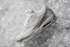 online retailer 887ca f600b Nike