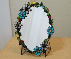 Stained Glass Mirror, Stained Glass Ornaments, Stained Glass Flowers, Mirror Mosaic, Stained Glass Designs, Stained Glass Projects, Stained Glass Patterns, Mosaic Glass, Tiffany Glass