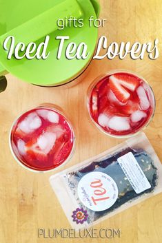 If you have an upcoming occasion to celebrate with a cold brew tea fanatic, take a look at these gifts for iced tea lovers to get inspired. #icedtea #sweettea #giftguide #plumdeluxe