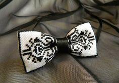 Бабочка с ручной монохромной вышивкой