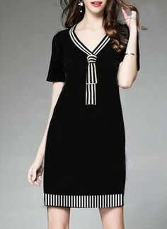 Black dress spandex with stripe variation Linen Dresses, Day Dresses, Casual Dresses, Fashion Dresses, Office Outfits For Ladies, Batik Dress, Mode Inspiration, African Fashion, Korean Fashion