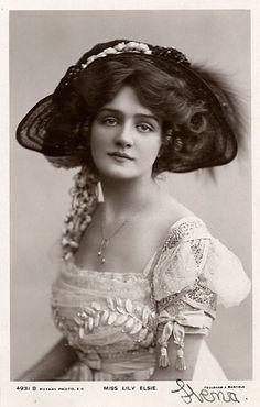 1908 Edwardian Lady