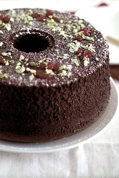 Life is Great: Chocolate Chiffon Cake Cupcakes, Cupcake Cakes, Chocolate Chiffon Cake, Cake Chocolate, Just Desserts, Dessert Recipes, Light Cakes, Sponge Cake Recipes, Love Cake