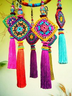 Tassels I couldn't have imagined in a million years. Creatively Carved Life: creative colorfull tassel collections