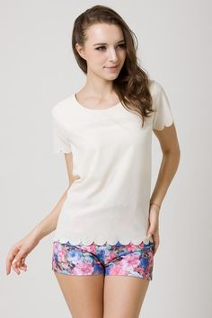 love this scalloped  Chicwish top
