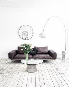Pin: emmiellynne ⋆ ˚ ✦ ✫ Interior Design Lounge, Home Interior, Interior And Exterior, Living Room Inspiration, Furniture Inspiration, Interior Design Inspiration, Cozy Living Spaces, Loft, Scandinavian Home