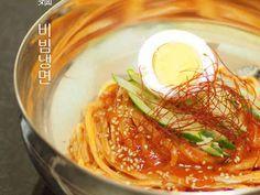 韓国ビビン麺用ヤンニョム~素麺*蕎麦にもの画像 Ramen, Spaghetti, Asian, Ethnic Recipes, Food, Korean, Korean Language, Essen, Meals