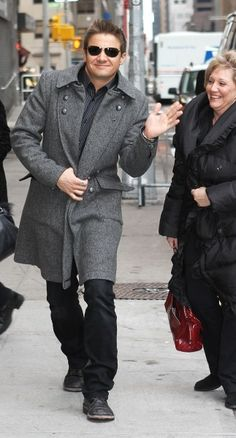 Jeremy Renner - this grey coat is cool,, i mean,, its really cool ;)