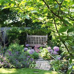 39 beautiful front garden cottage garden landscaping ideas - All For Garden Garden Nook, Corner Garden, Cacti Garden, Lush Garden, Flowers Garden, Potager Garden, Garden Whimsy, Small Cottage Garden Ideas, Garden Cottage