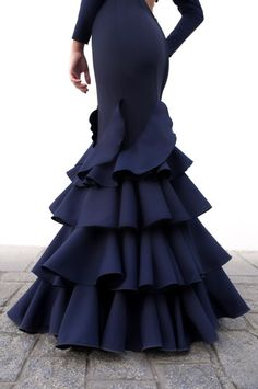 African Traditional Wear, Traditional Dresses, Red Bridesmaid Dresses, Wedding Dresses, Vintage Dresses, Gowns, My Style, Argentine Tango, How To Wear