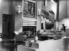 circa-1929-the-art-deco-interior-of-a-house-which-serves-as-the-set-picture-id3298957 (1024×772)