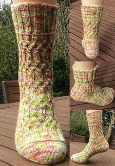 Ravelry: Madainn pattern by Christina Reuter free pattern Knitting Designs, Knitting Patterns Free, Free Knitting, Free Pattern, Socks And Heels, Ankle Socks, Ravelry, Knitting Socks, Knit Socks